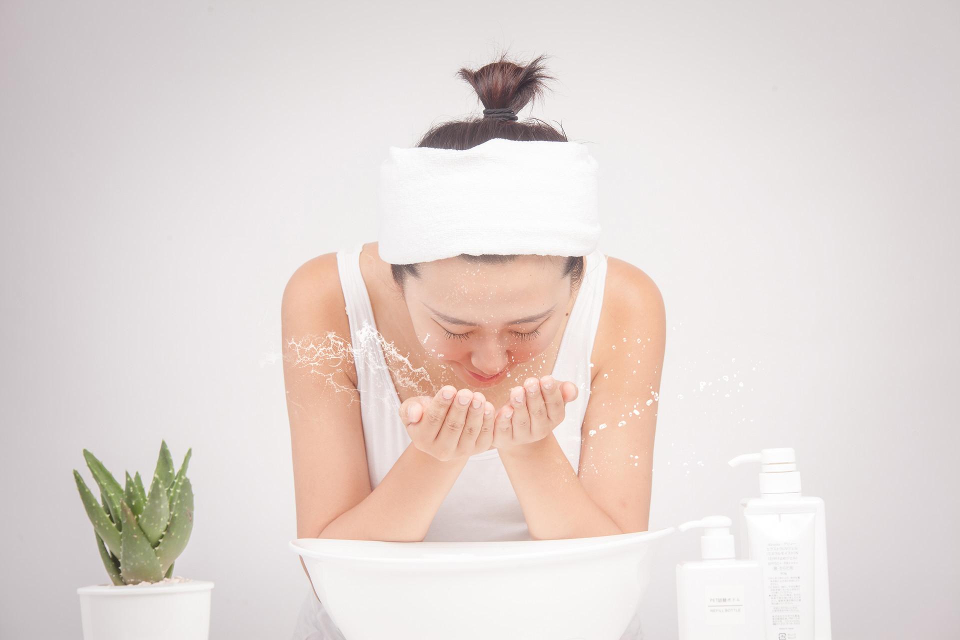 怎么给皮肤补水?具体有效的方法有哪些?