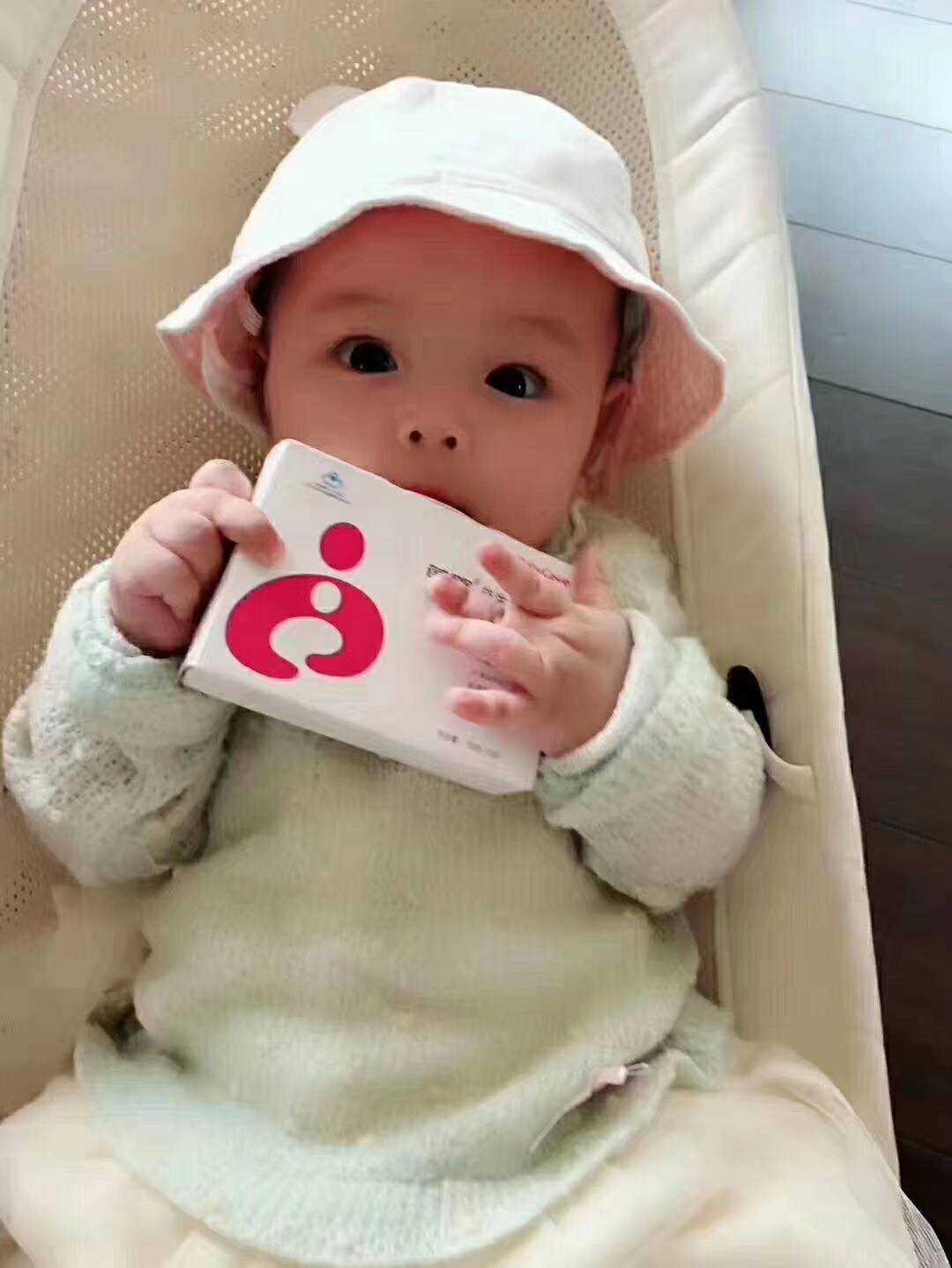 葆婴团队-孩子们和产品