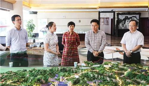 江西萍乡市湘东区区委常委李政一行莅临龙润集团招商引资