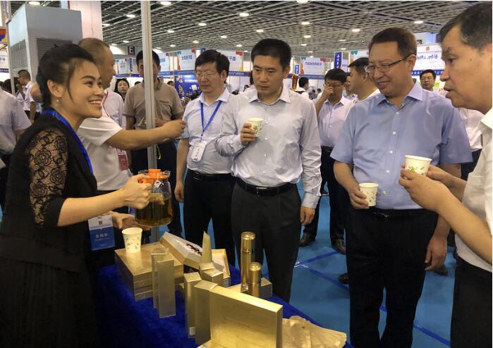 三八妇乐血耳茶喝起来,江苏陕西两省省长都说好!